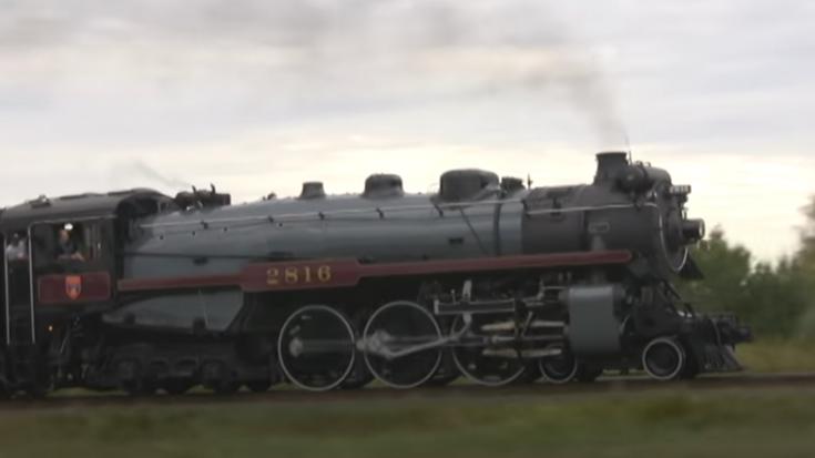 Pacing Canadian Pacific's  #2816 | Train Fanatics Videos