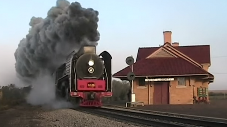 Iowa State Railroad Steam Doubleheader | Train Fanatics Videos