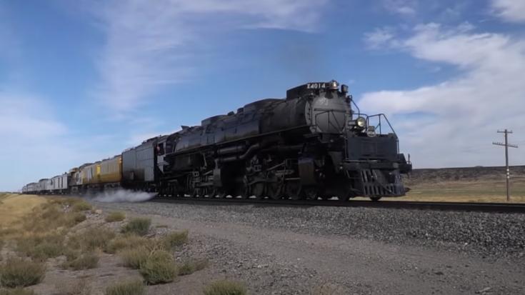 Pacing Big Boy #4014 | Train Fanatics Videos