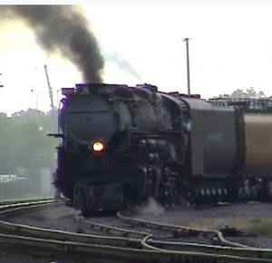 Union Pacific #3985 Leaving Chicago