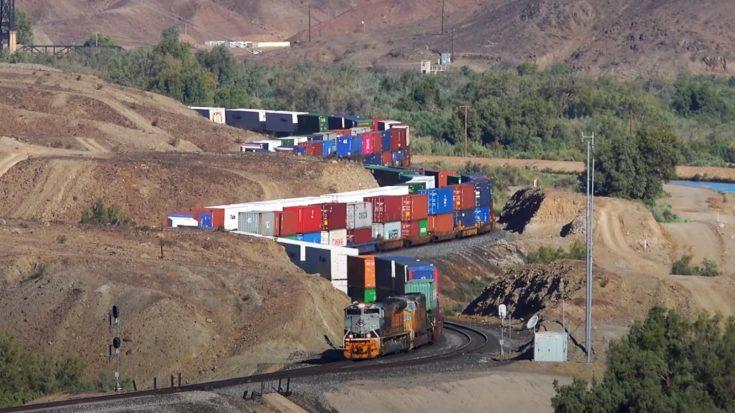 Union Pacific Pythons In The Desert | Train Fanatics Videos