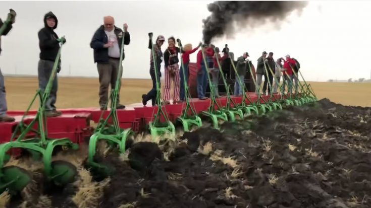 Invite Your Friends Over For A CASE 150 Tractor Pull! | Train Fanatics Videos