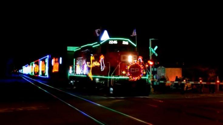 A Closer Look At The CP Holiday Train | Train Fanatics Videos