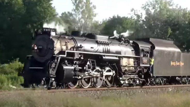 Pacing NKP 765 | Train Fanatics Videos