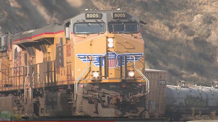 Tehachapi Loop 6 + 2 Locomotive Assist | Train Fanatics Videos