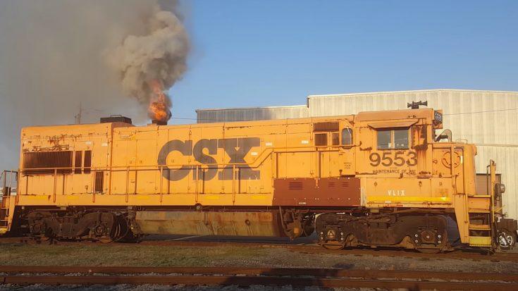 CSX 9553 Cold Start   Train Fanatics Videos