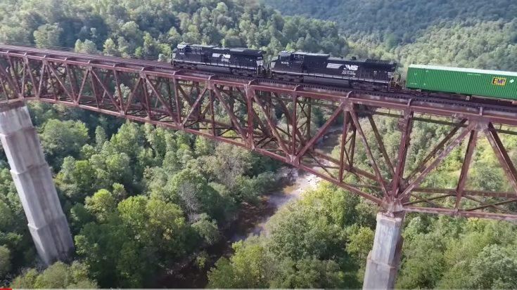 The New River Bridge In Tennessee | Train Fanatics Videos