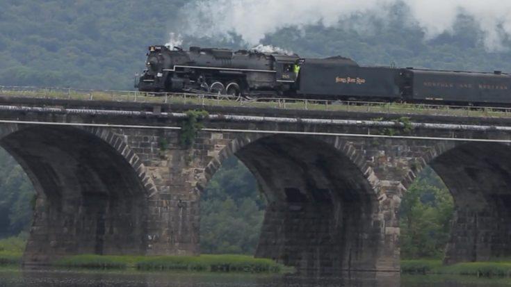 "NKP #765 ""High Balling"" In Pennsylvania | Train Fanatics Videos"