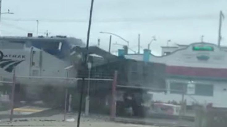 Amtrak Coast Starlight Smashes Truck In Oakland | Train Fanatics Videos