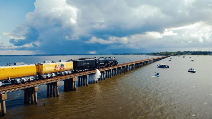 Big Boy #4014 Over Lake Houston | Train Fanatics Videos