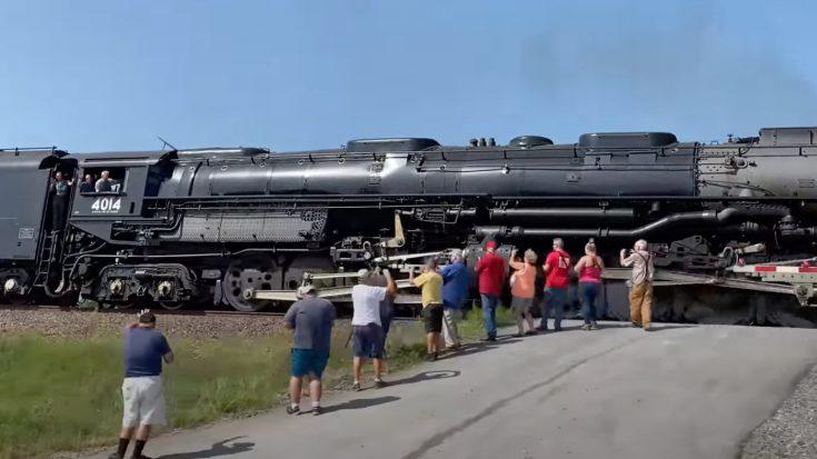 Pacing Big Boy #4014  In Missouri | Train Fanatics Videos